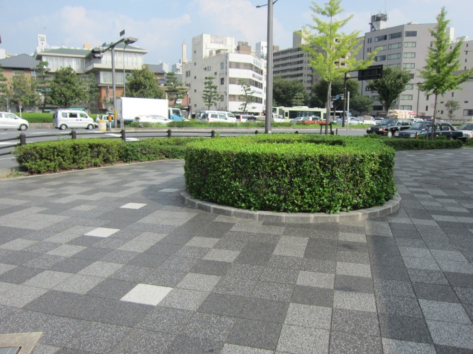 A side walk near Oike Street