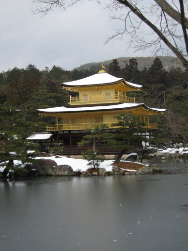 Kinkakuji in the snow